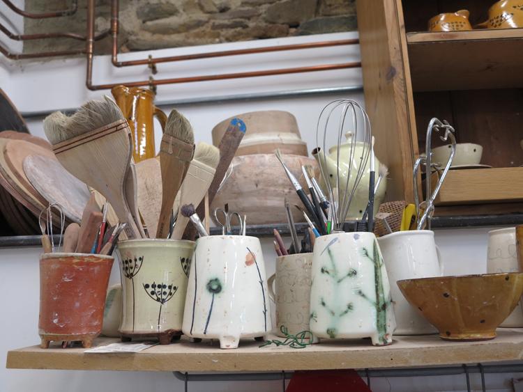 Kigbeare_Studios_Gallery_Bethan_Jones_Ceramics_madebyhandonline