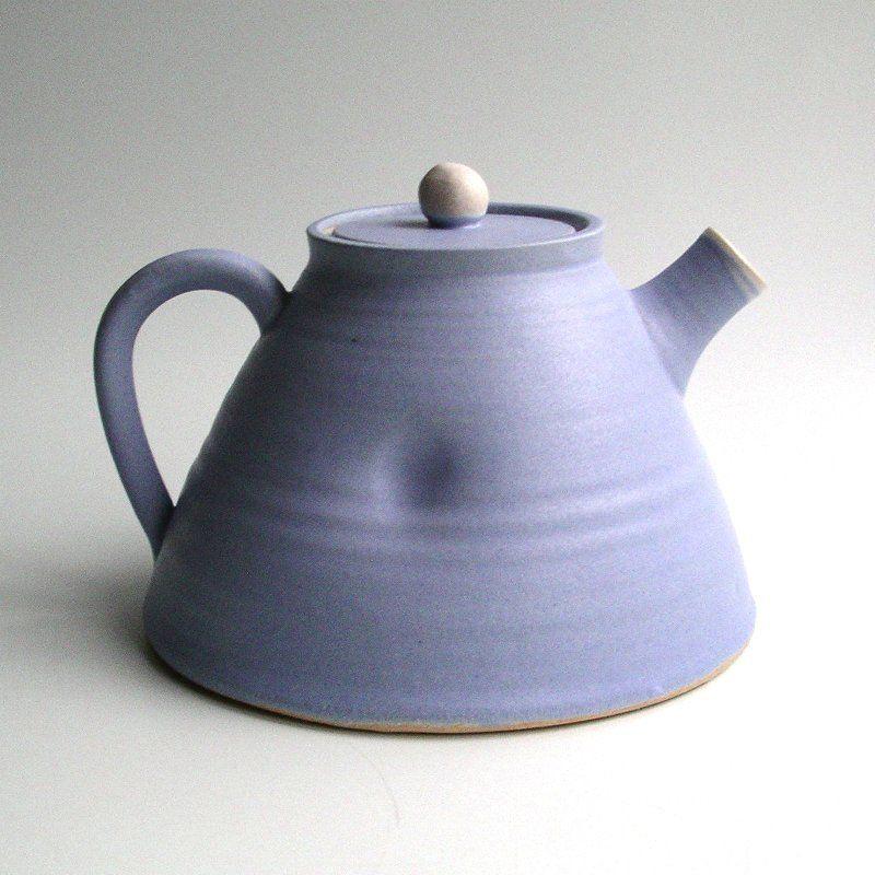 madebyhandonline_handmade_Ceramics_Teapot_Tone_Von_Krogh